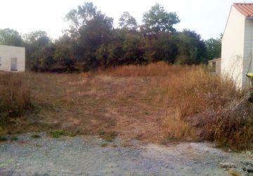 image terrain Terrain à bâtir de 613 m² à MONTBAZON (37)