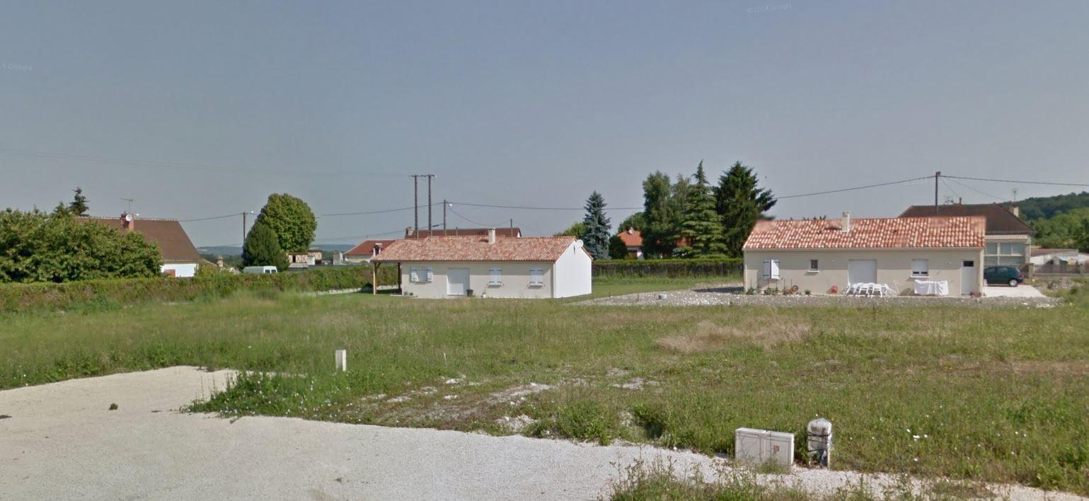 Photo du terrain à bâtir de 870 m² <br><span>LES ORMES(86)