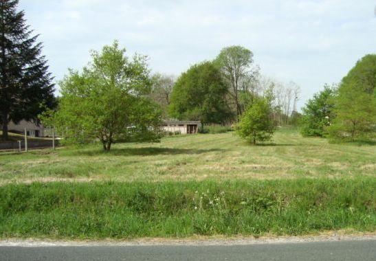 Photo du terrain à bâtir de 800 m² <br><span>BEAUMONT(86)