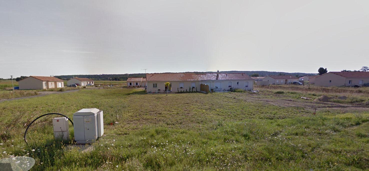 Photo du terrain à bâtir de 711 m² <br><span>VOUNEUIL-SUR-VIENNE(86)