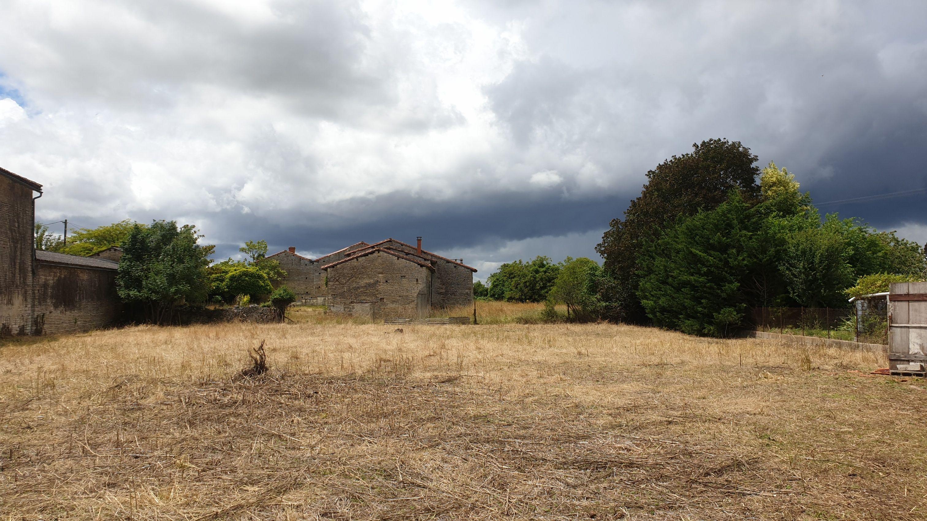 Photo du terrain à bâtir de 1600 m² <br><span>AUNAC(16)