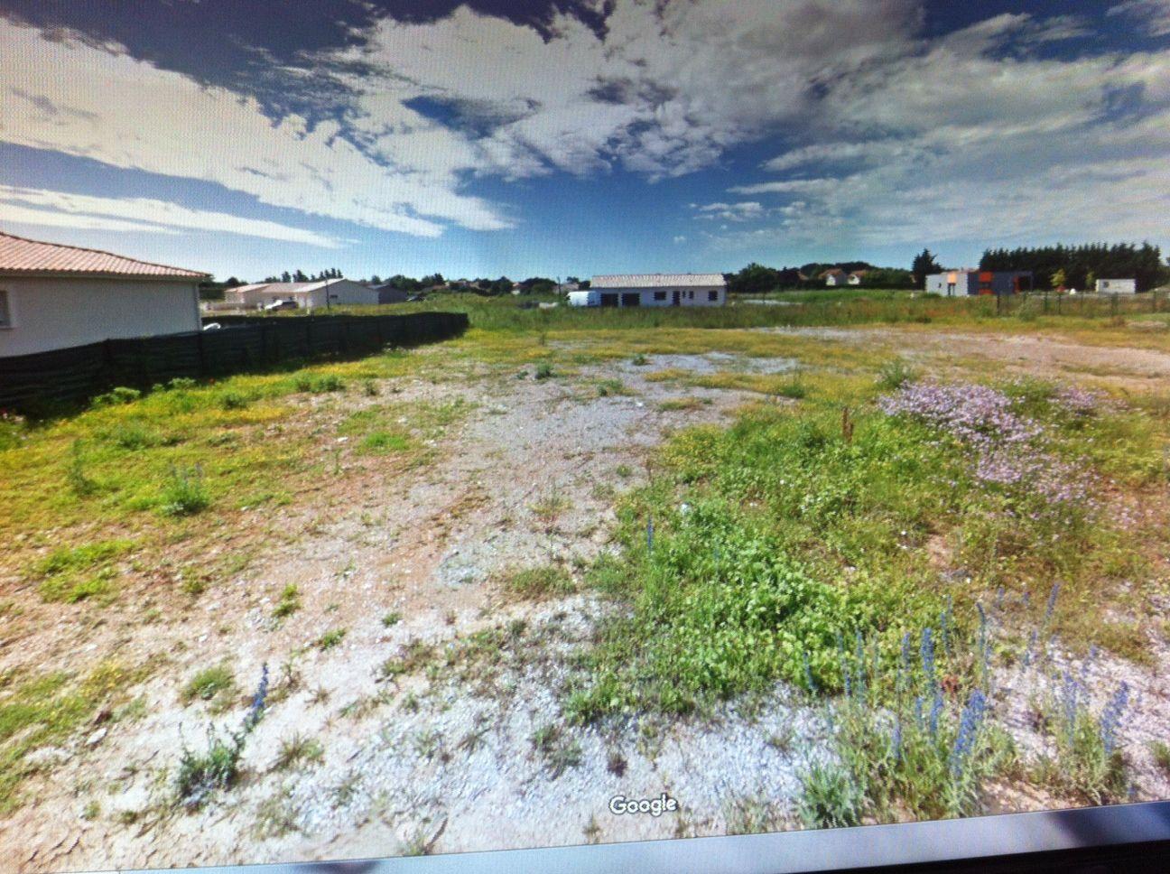 Photo du terrain à bâtir de 466 m² <br><span>CROUTELLE(86)