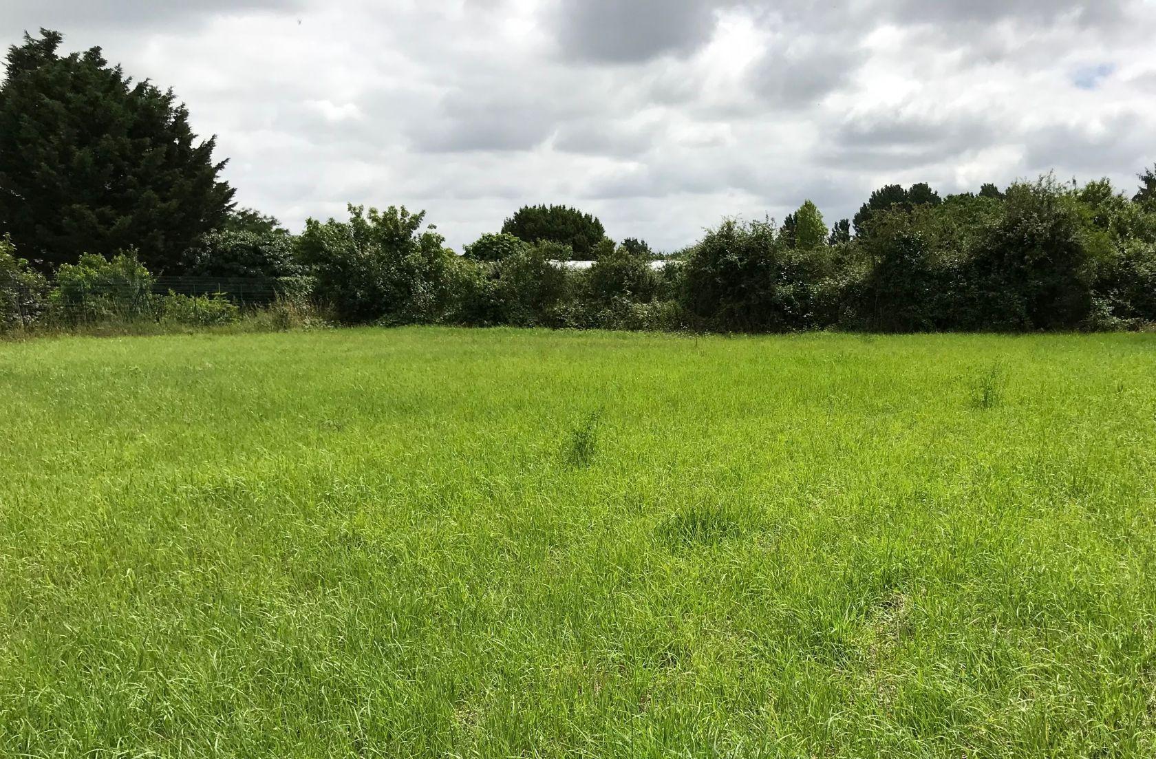 Photo du terrain à bâtir de 1124 m² <br><span>MONTREUIL(85)