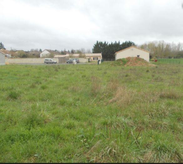 Photo du terrain à bâtir de 1169 m² <br><span>DISSAY(86)