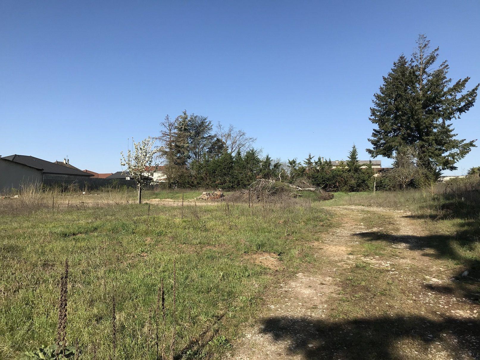 Terrain à bâtir de 509 m² à CHAVANOZ (38) 1