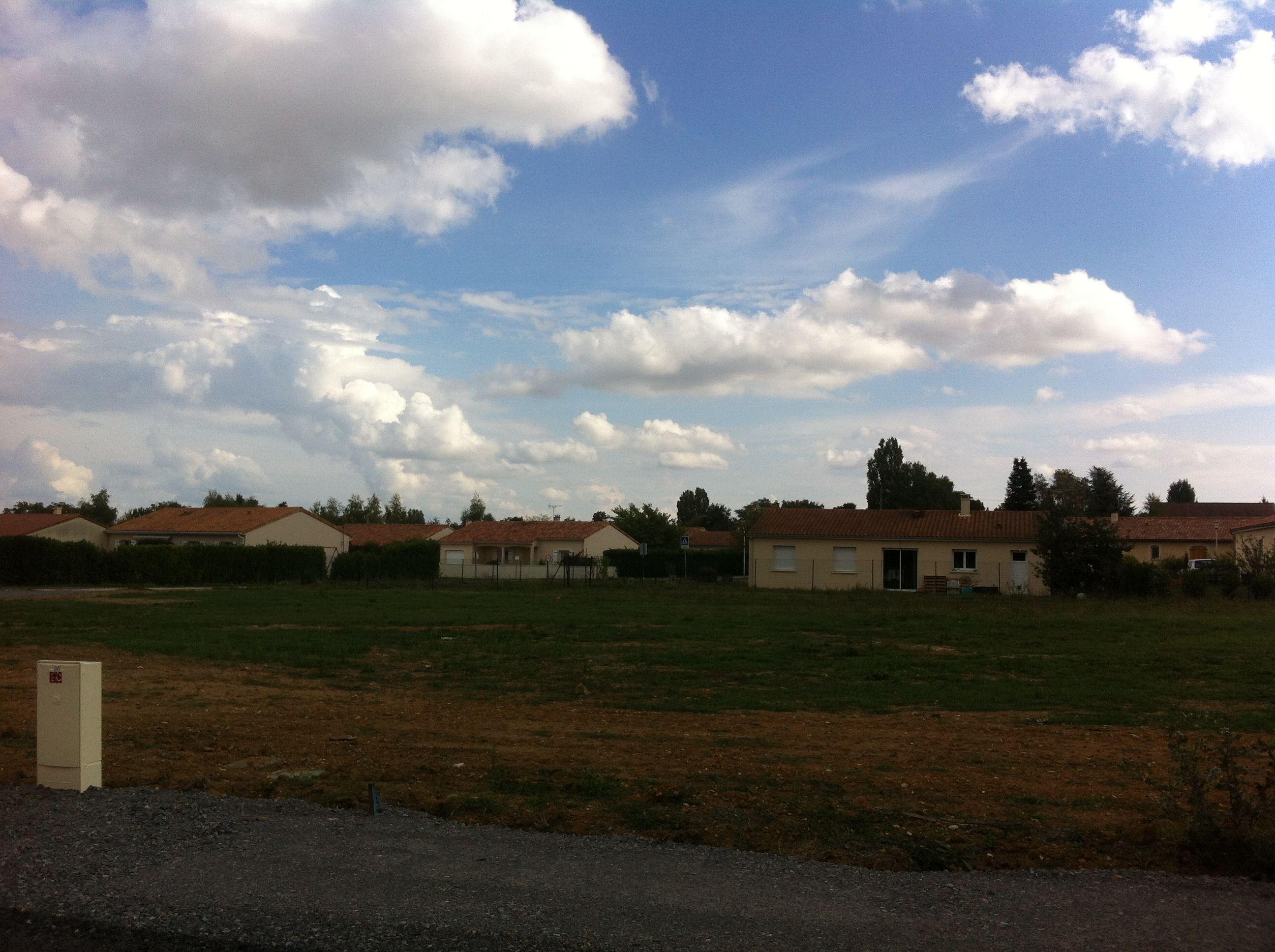 Photo du terrain à bâtir de 678 m² <br><span>SAVIGNY-LEVESCAULT(86)