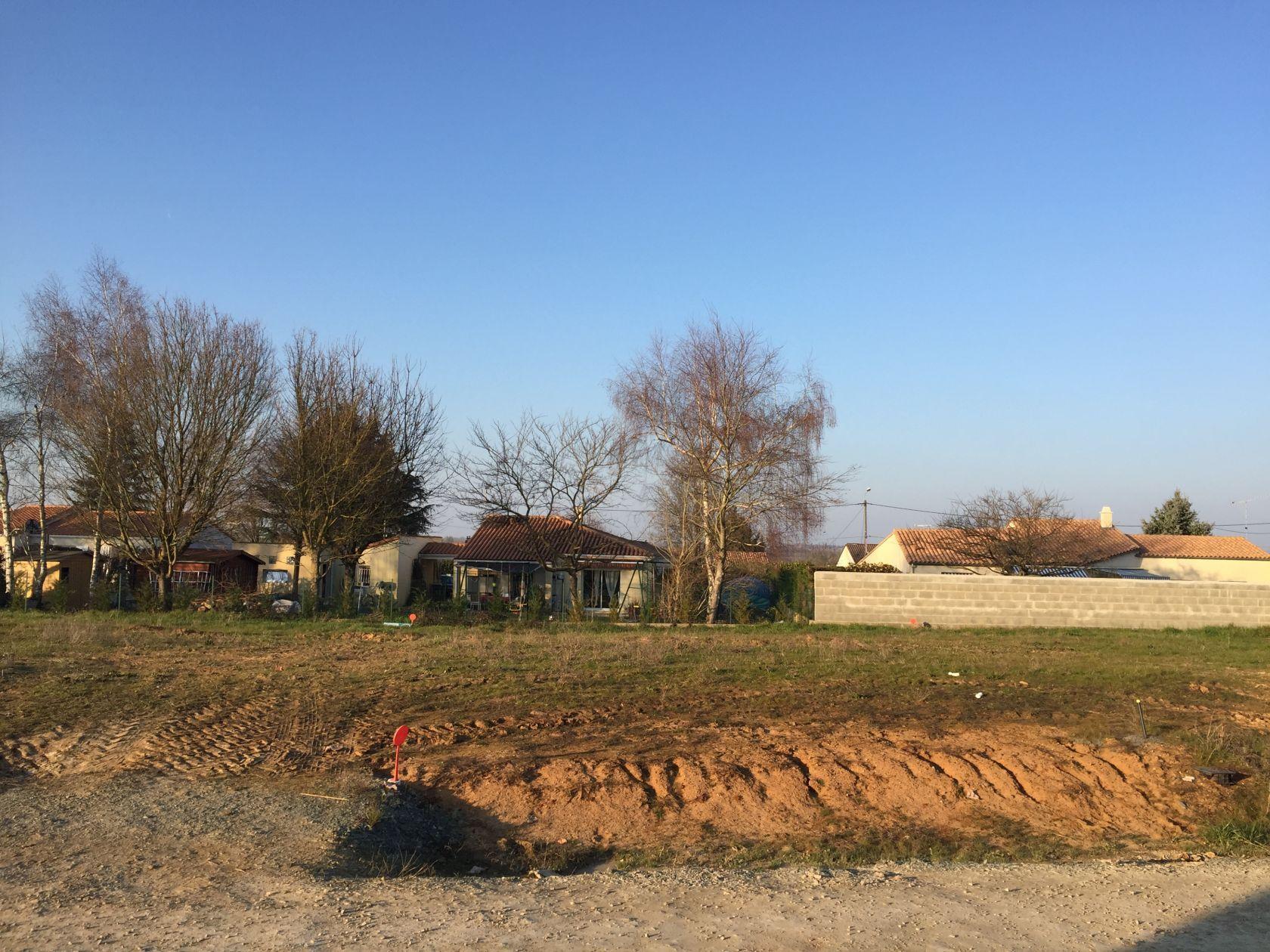 Photo du terrain à bâtir de 349 m² <br><span>ECHIRE(79)