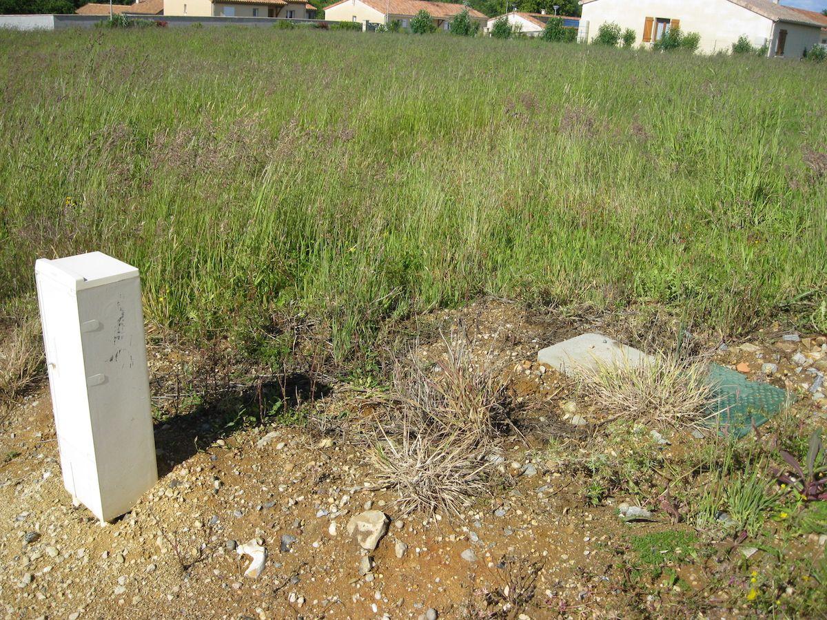 Photo du terrain à bâtir de 628 m² <br><span>LEZAY(79)