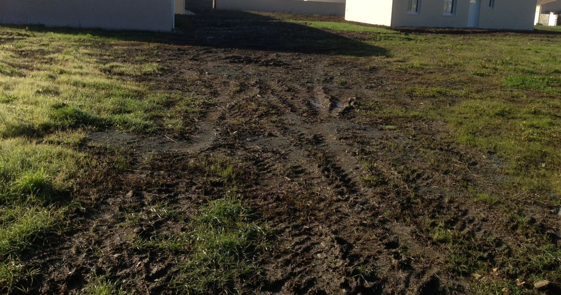 image Terrain à bâtir de 1000 m² à MALESHERBES (45)