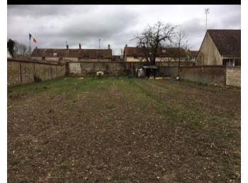 Photo du terrain à bâtir de 554m²<br> à HANCHES (28)
