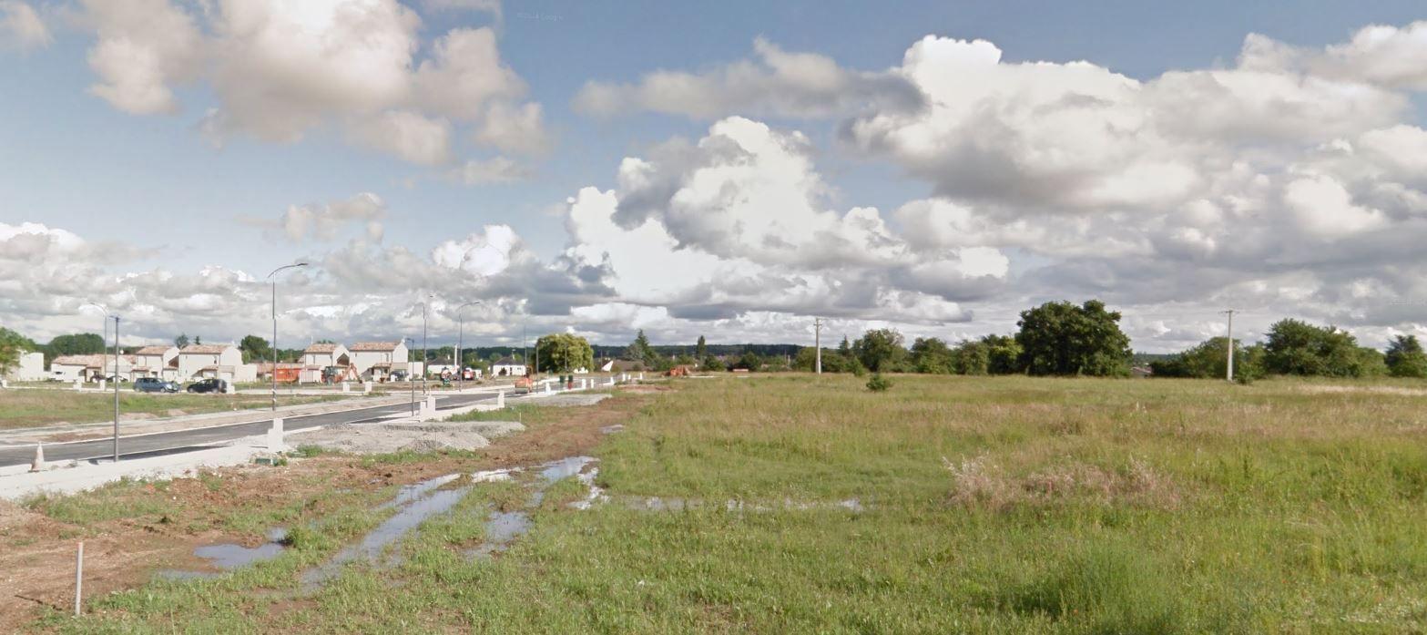 Photo du terrain à bâtir de 2100 m² <br><span>NAINTRE(86)