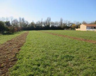 Photo du terrain à bâtir de 1051 m² <br><span>LA COURONNE(16)