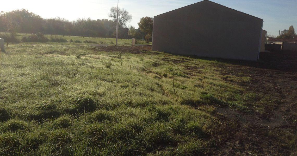 image Terrain à bâtir de 800 m² à ASCHERES-LE-MARCHE (45)