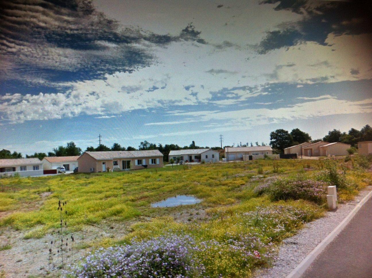 Photo du terrain à bâtir de 512 m² <br><span>CROUTELLE(86)
