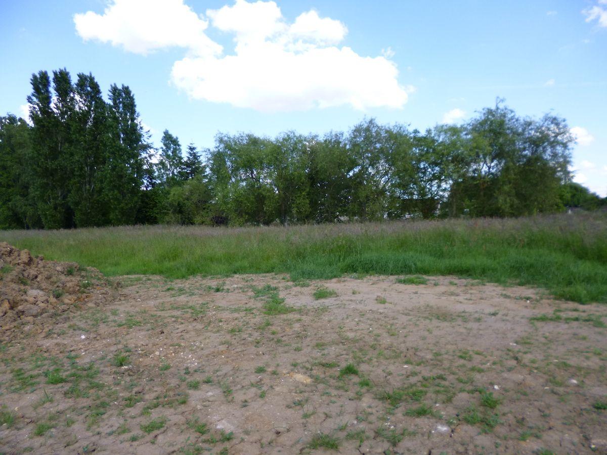 Photo du terrain à bâtir de 437 m² <br><span>FLEURE(86)