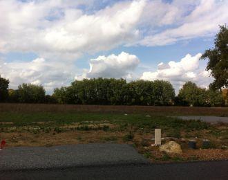 Photo du terrain à bâtir de 555 m² <br><span>SAVIGNY-LEVESCAULT(86)