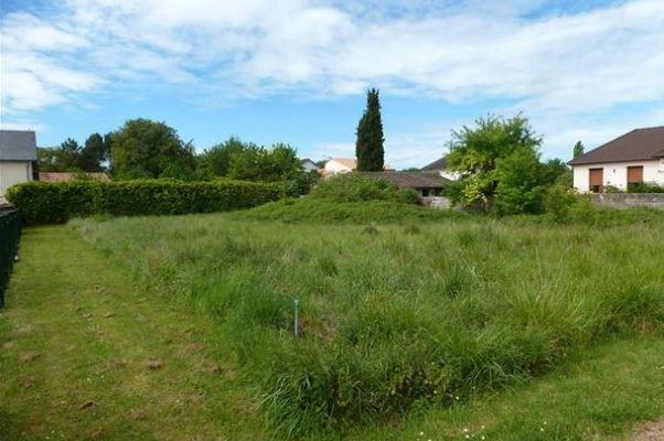 Photo du terrain à bâtir de 733 m² <br><span>AVAILLES-EN-CHATELLERAULT(86)