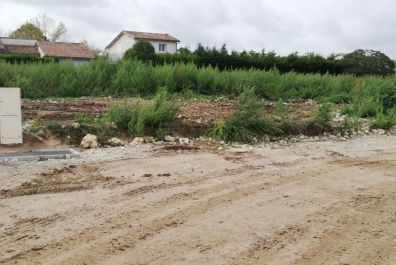 image terrain Terrain de 370 m² à BLAYE (GIRONDE - 33)
