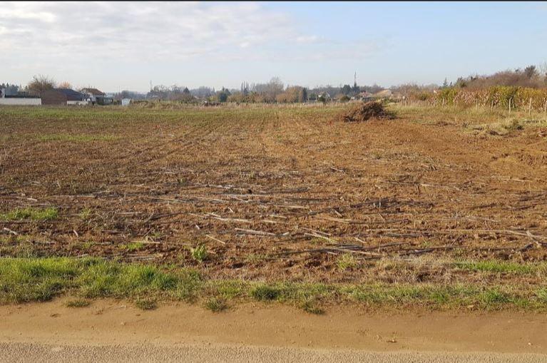 Photo du terrain à bâtir de 974 m² <br><span>NAINTRE(86)