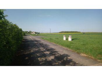 Photo du terrain à bâtir de 740m²<br> à MESLAY-LE-VIDAME (28)