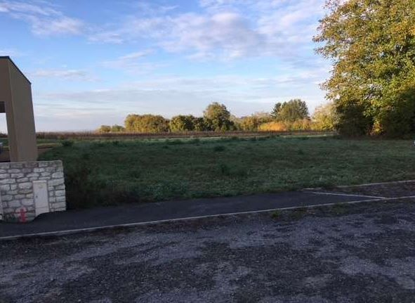 Photo du terrain à bâtir de 944 m² <br><span>CHATELLERAULT(86)