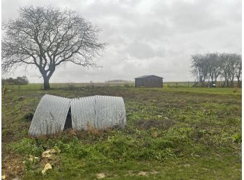 Photo du terrain à bâtir de 867m²<br> à ALLONNES (28)