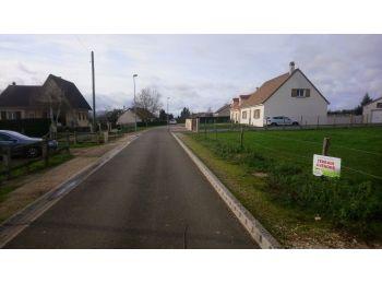 Photo du terrain à bâtir de 500m²<br> à SAINT-ARNOULT-DES-BOIS (28)