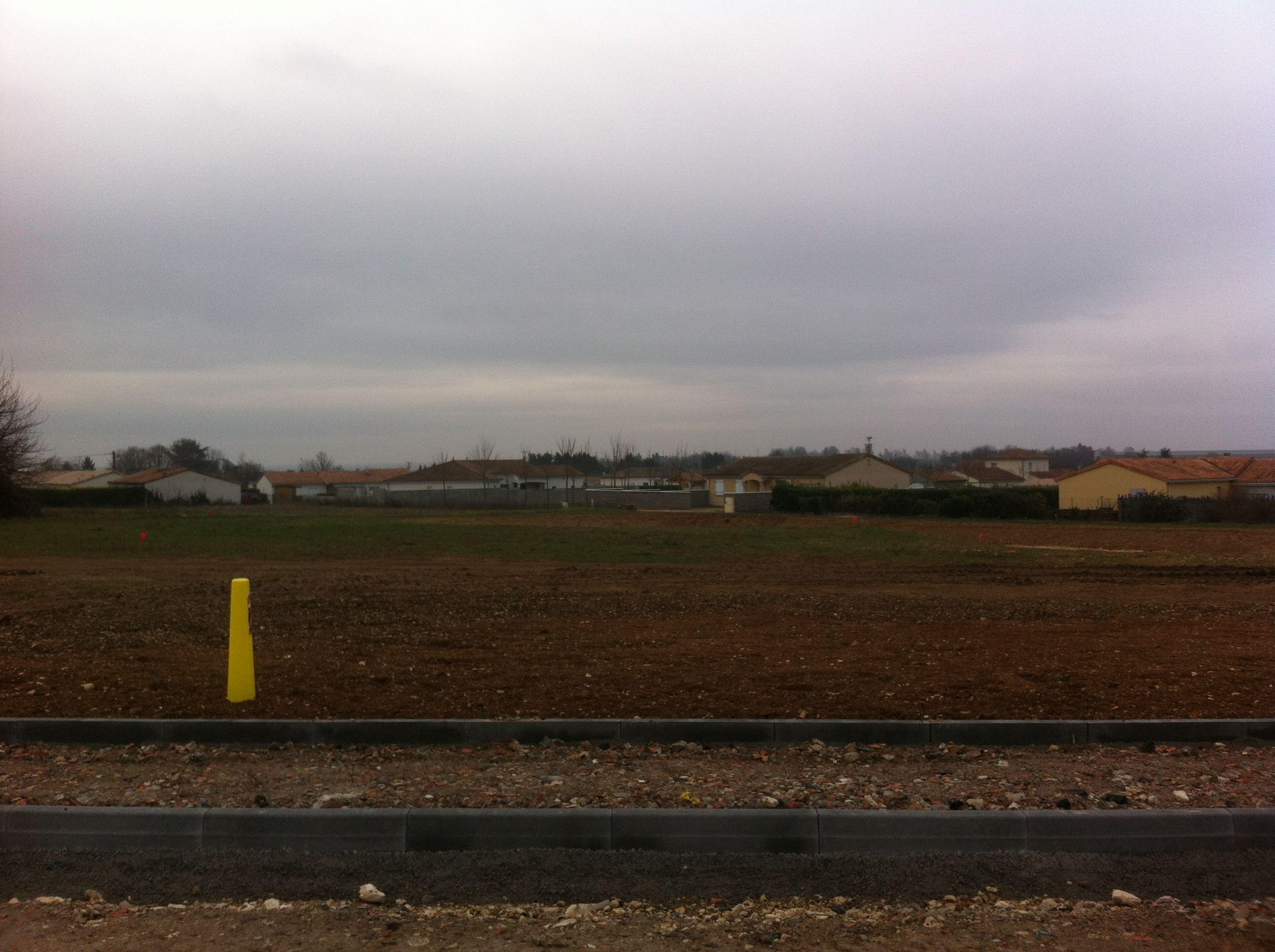 Photo du terrain à bâtir de 547 m² <br><span>CISSE(86)