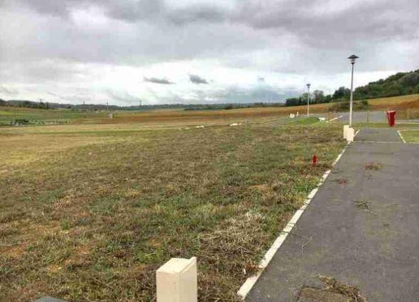 Photo du terrain à bâtir de 1227 m² <br><span>SAINT-CYR(86)