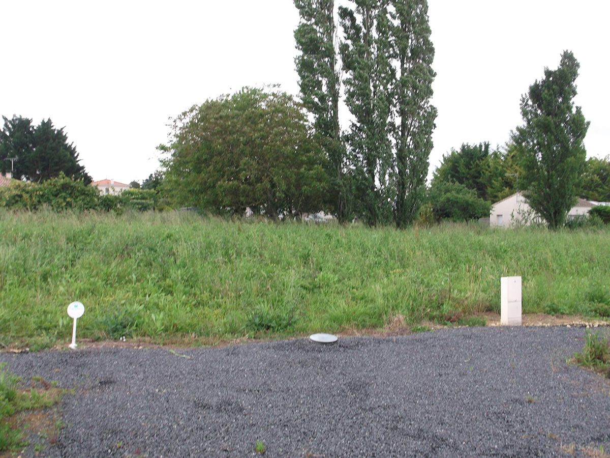 Photo du terrain à bâtir de 553 m² <br><span>NAINTRE (86)