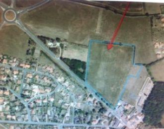 Photo du terrain à bâtir de 565 m² <br><span>FLEURE(86)