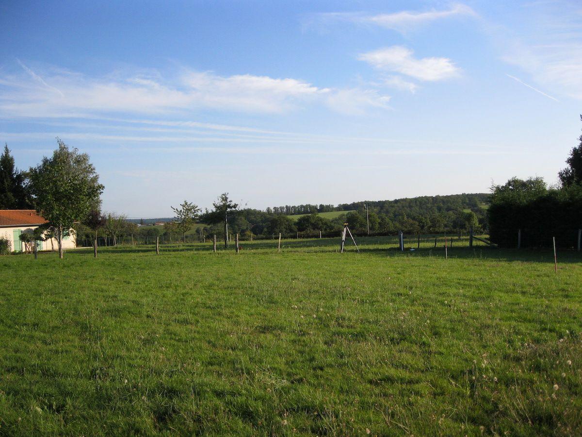 Photo du terrain à bâtir de 904 m² <br><span>AUGE(79)