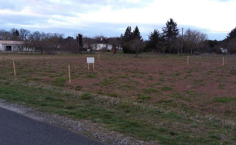 Photo du terrain à bâtir de 457 m² <br><span>DISSAY(86)