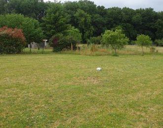 Photo du terrain à bâtir de 1042 m² <br><span>MONTIGNAC-CHARENTE(16)