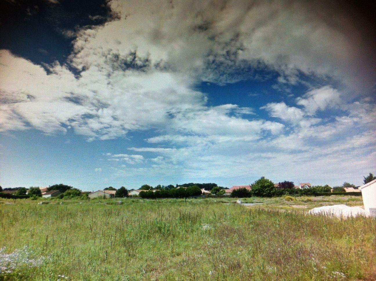 Photo du terrain à bâtir de 448 m² <br><span>CROUTELLE(86)