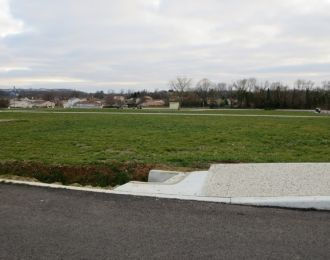 Photo du terrain à bâtir de 426 m² <br><span>GOND-PONTOUVRE(16)